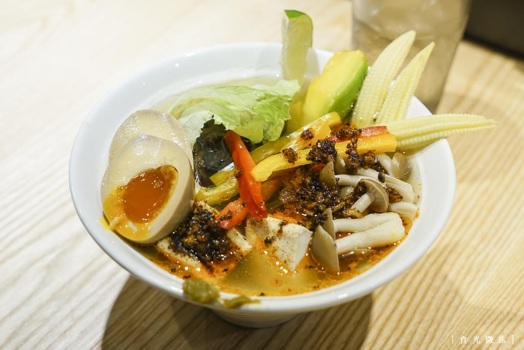 鳥人蔬菜辛拉麵超級豐盛