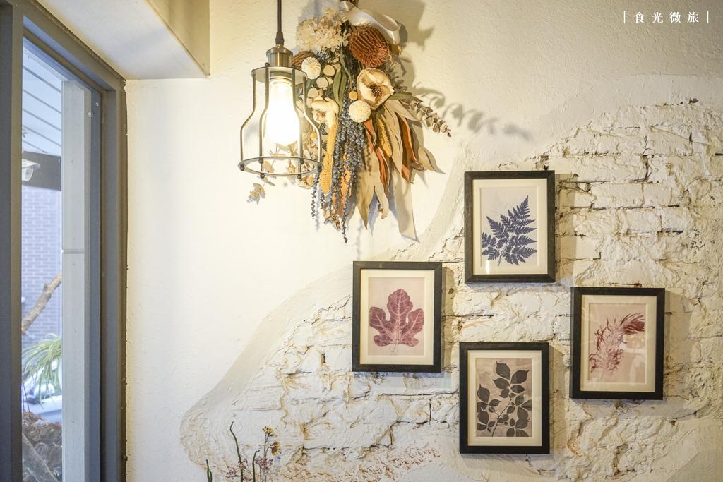 咖啡戶Coffeehood的室內牆面